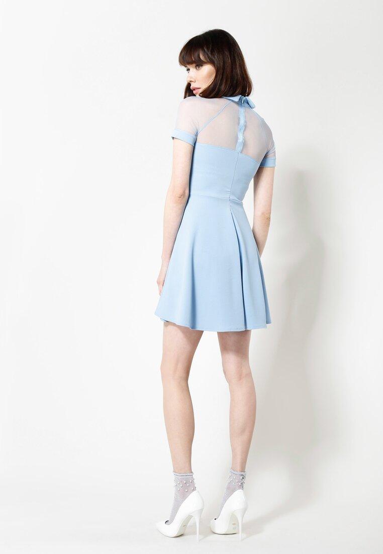 Niebieska Sukienka Sunday Afternoon