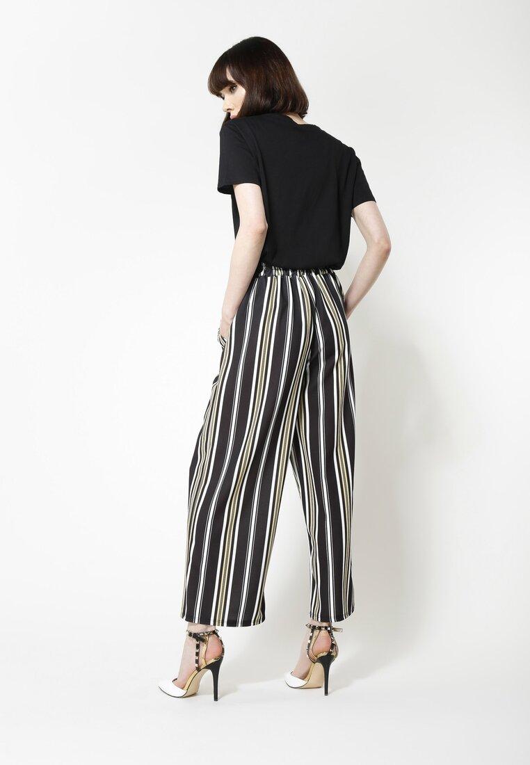 Czarno-Białe Spodnie Be Satisfied