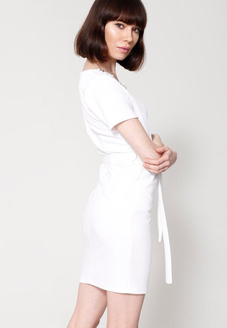 Biała Sukienka Bring The Beat