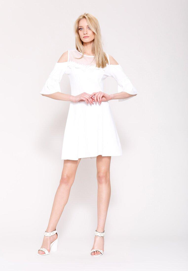 Biała Sukienka Girly Dreams