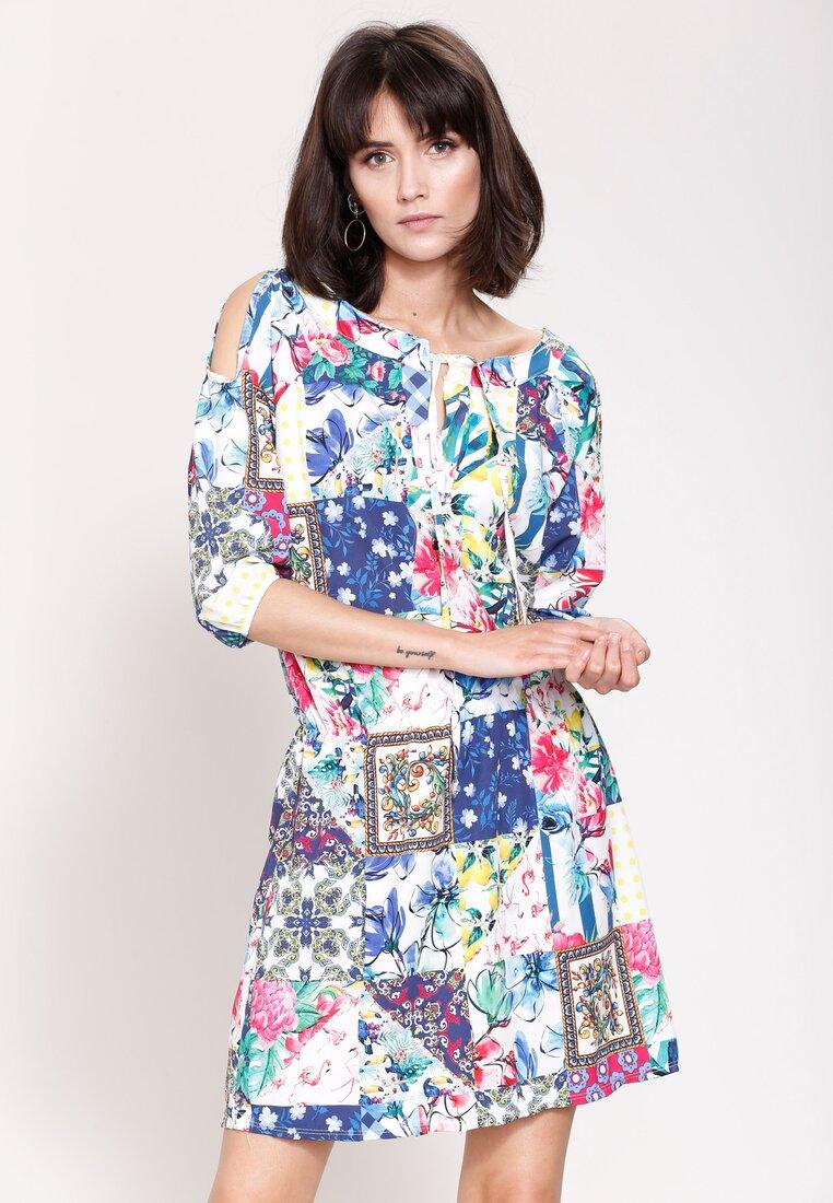 Biało-Niebieska Sukienka She's Wonderful