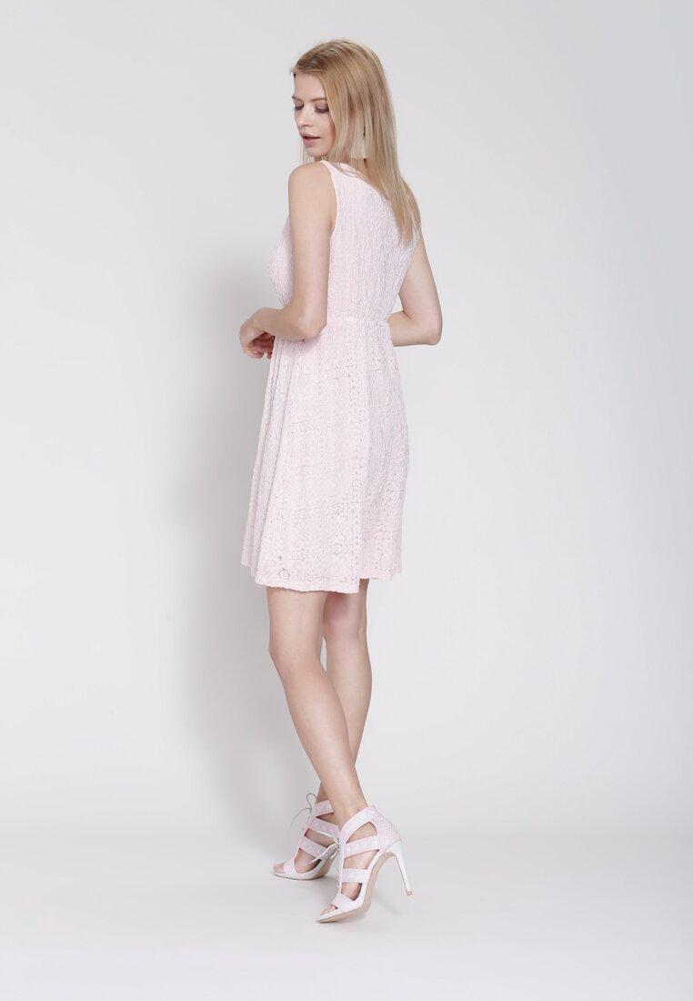 Jasnoróżowa Sukienka Stunning