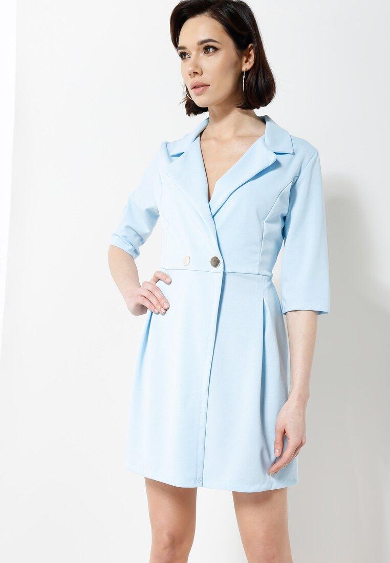 Niebieska Sukienka Staying Classy