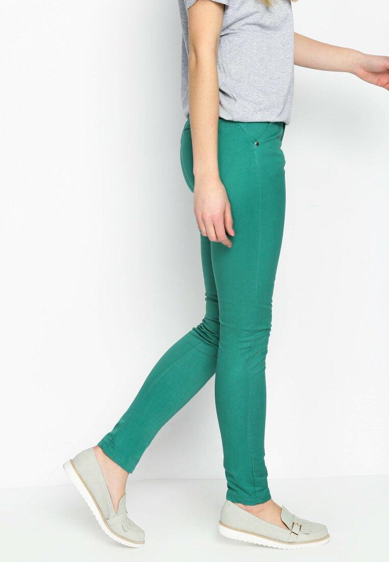 Zielone Spodnie Imagery