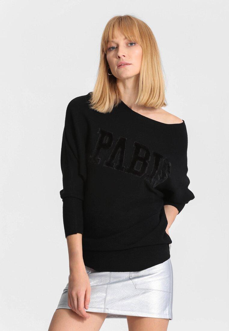 Czarny Sweter Seamlessly