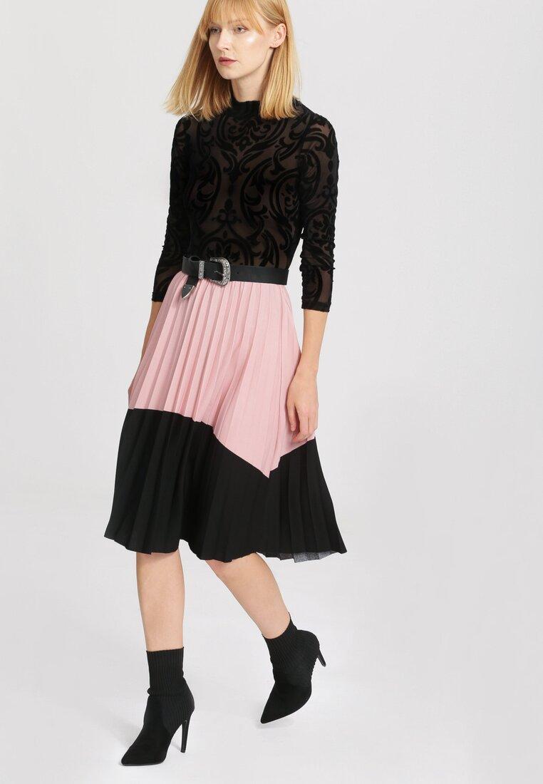 Różowa Spódnica Can I Love