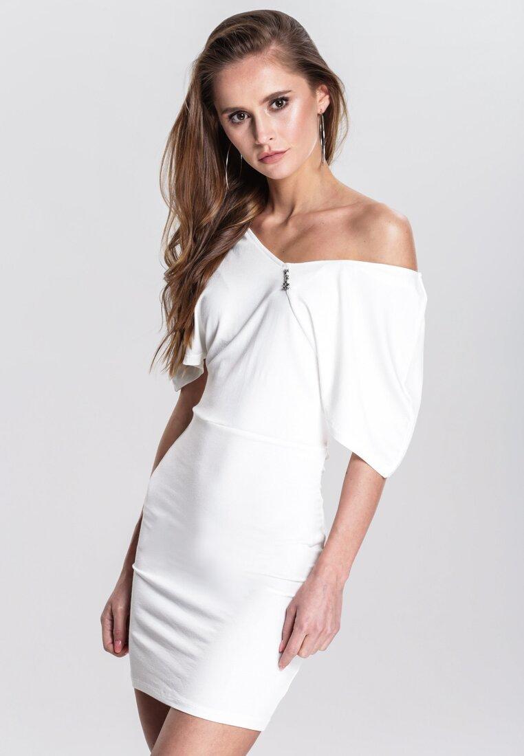 Biała Sukienka Aptness