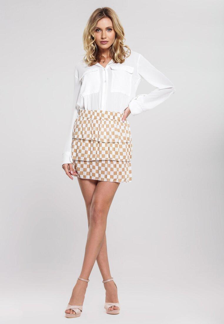 Obraz przedstawiający Beżowa Spódnica Metaphorically