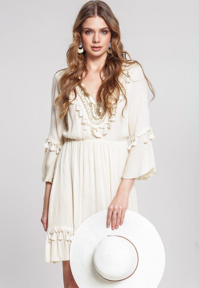 Obraz przedstawiający Beżowa Sukienka Doubter