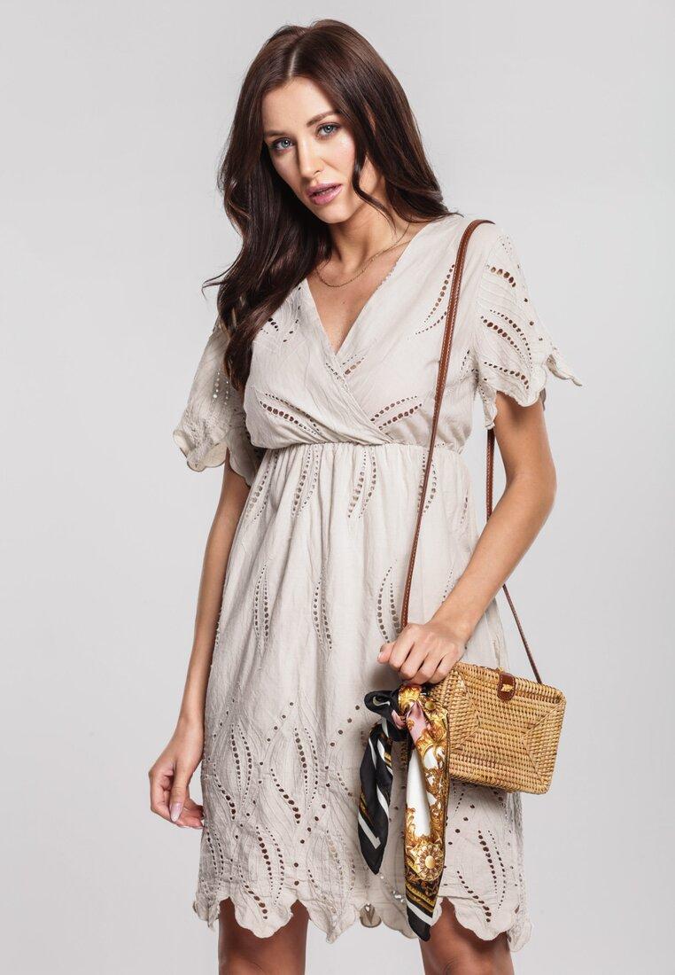 Obraz przedstawiający Beżowa Sukienka Cappucino