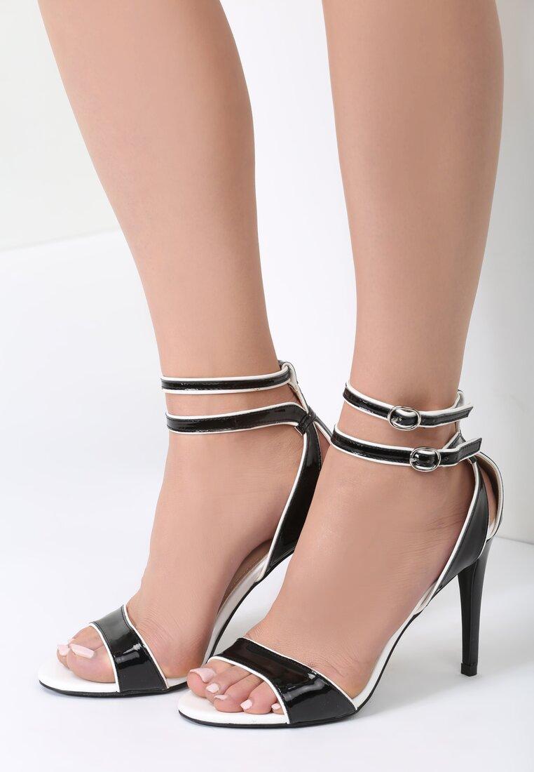 Czarne Sandały Elin