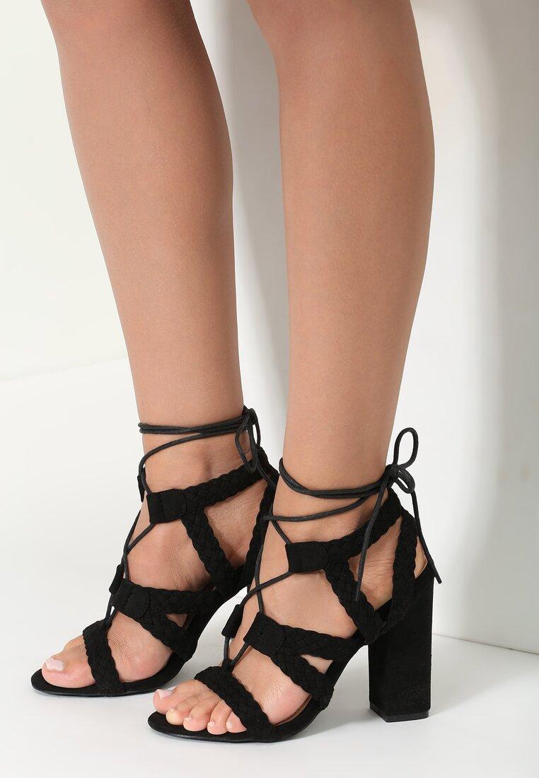 Czarne Sandały Anastazja