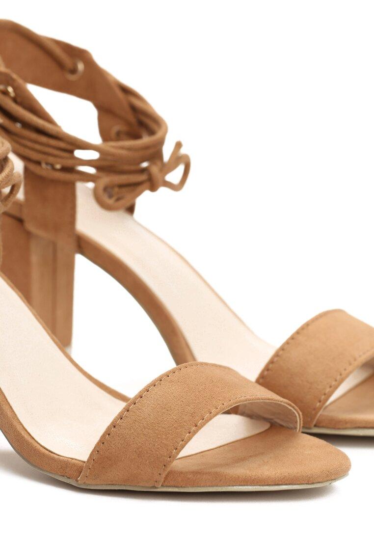Ciemnobeżowe Sandały Acacia