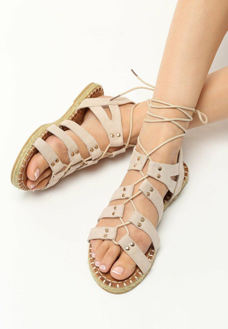 Beżowe Sandały Poppy Master