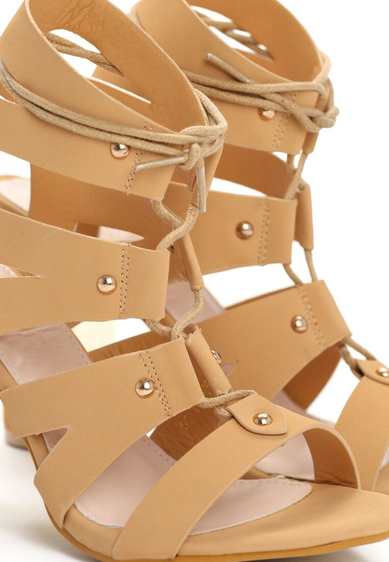 Beżowe Sandały Fuchsia