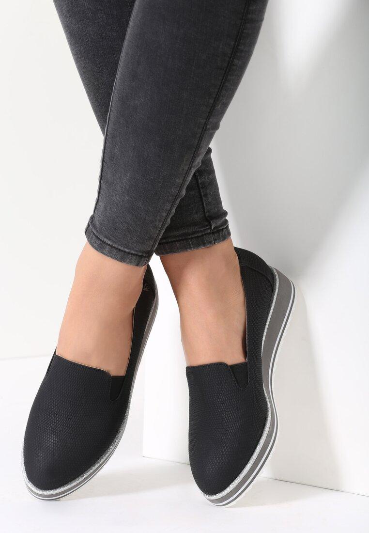 Czarne Slip On Lean
