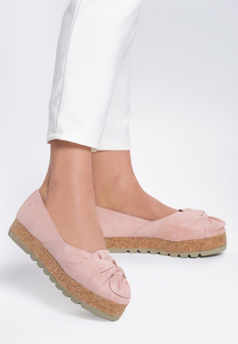 Różowe Platformy Hoakiro