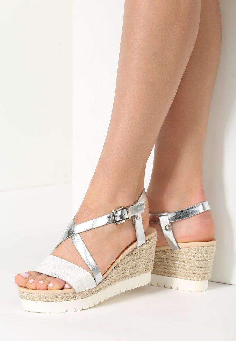Białe Sandały Chosen