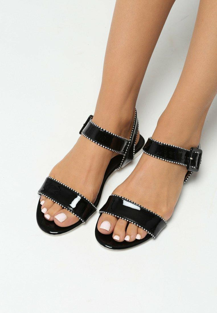 Czarne Sandały Lucky Strike