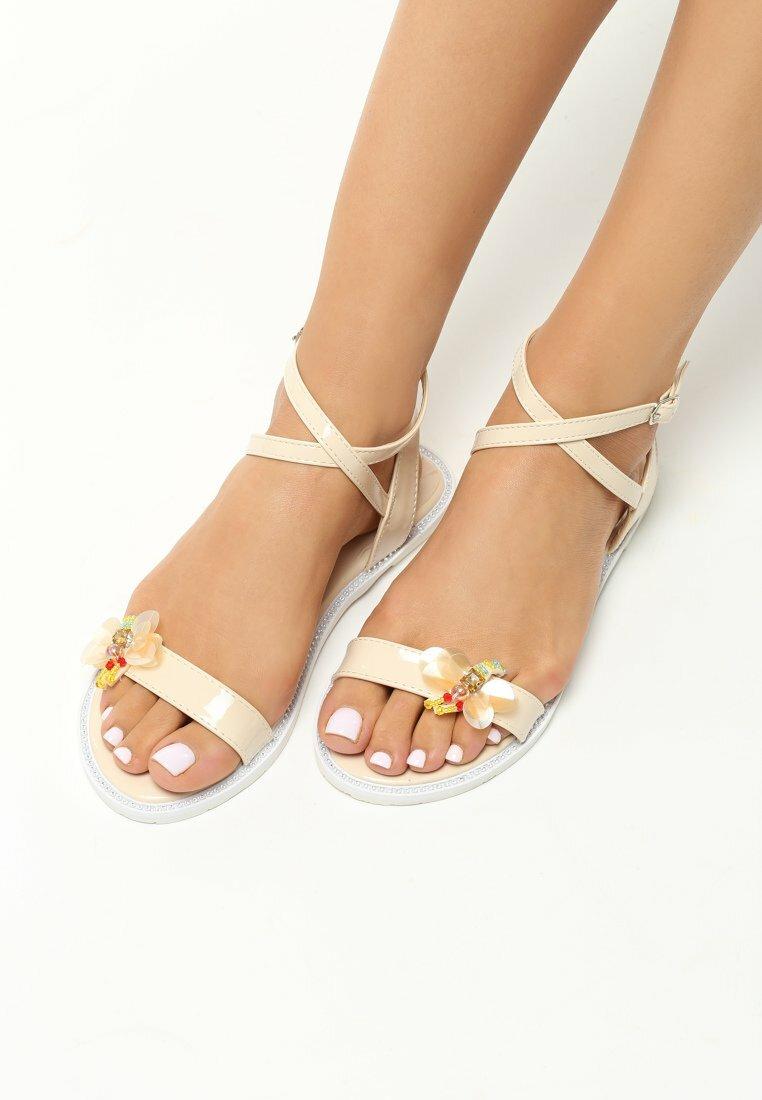 Beżowe Sandały Coddiwomple