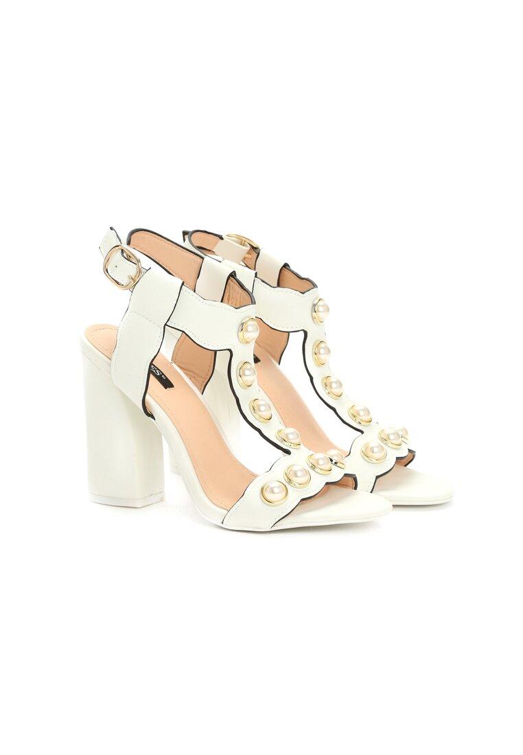Białe Sandały Strange Love