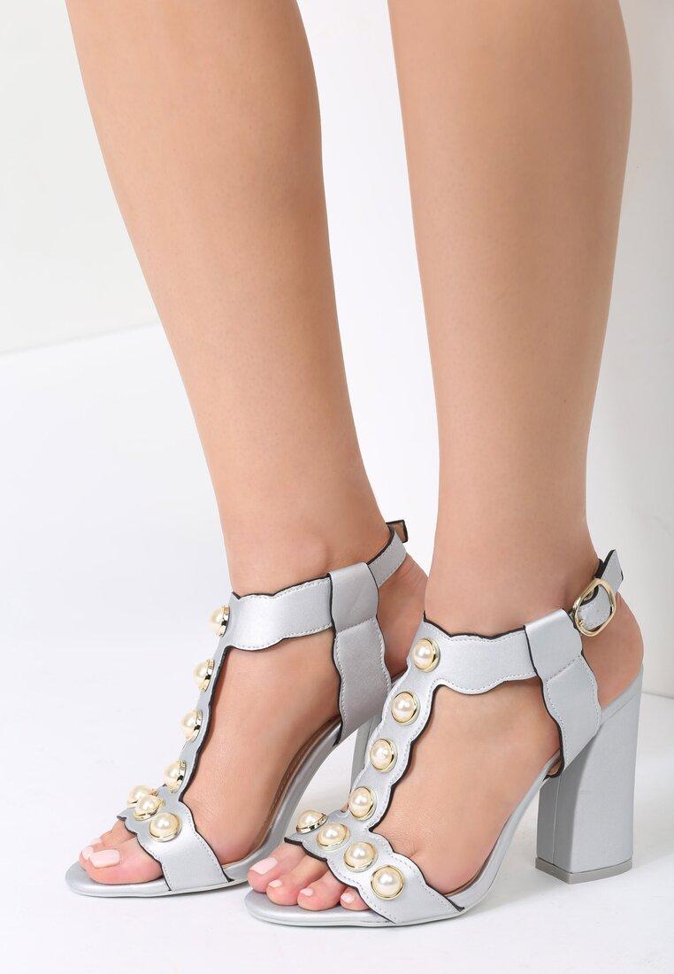 Srebrne Sandały Iridescent