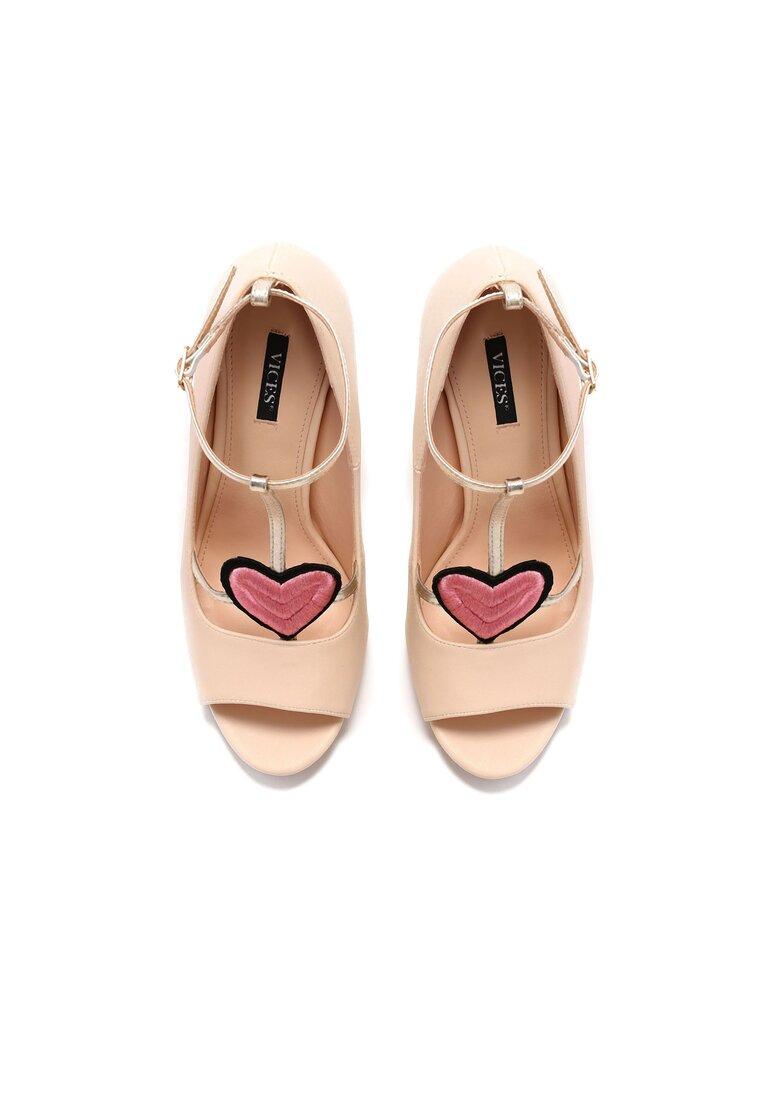 Beżowe Sandały Love Story