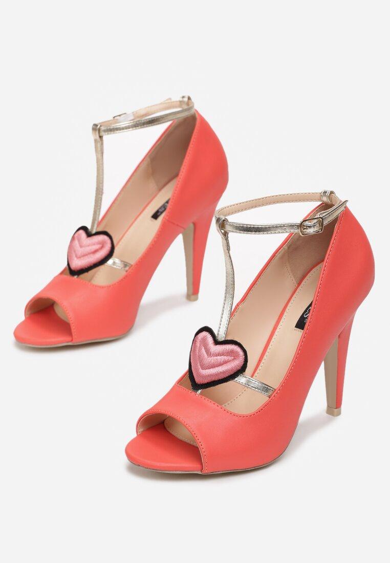Czerwone Sandały Love Story