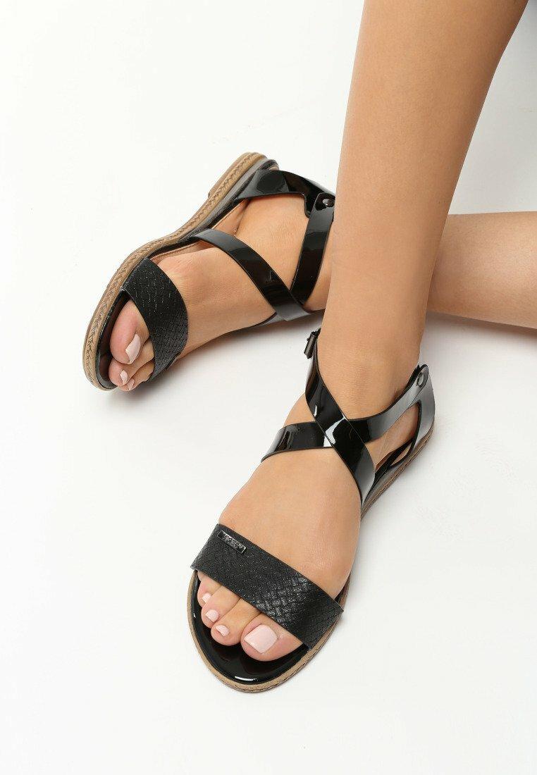 Czarne Sandały Spectrum