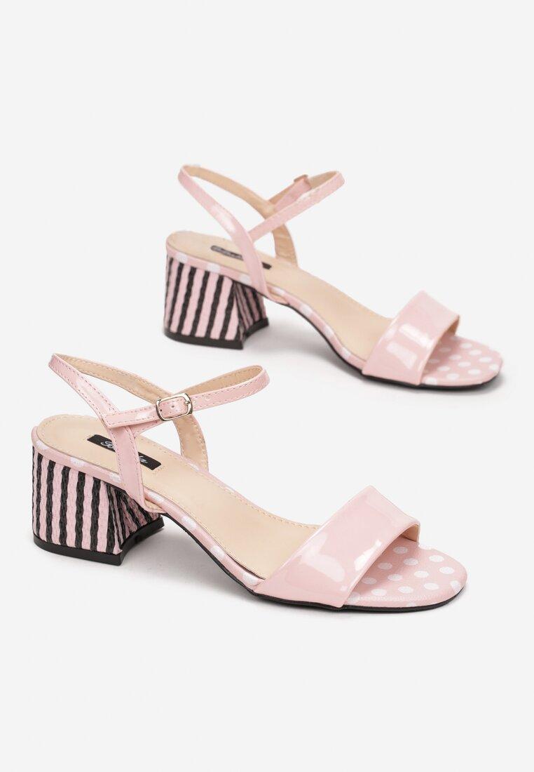 Różowe Sandały Circus