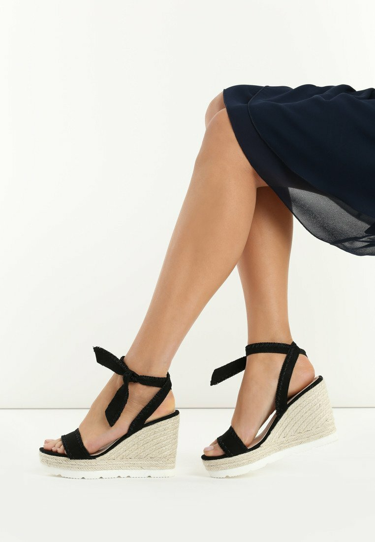 Czarne Sandały Newcomers