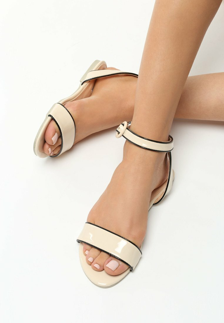 Beżowe Sandały Aquiver