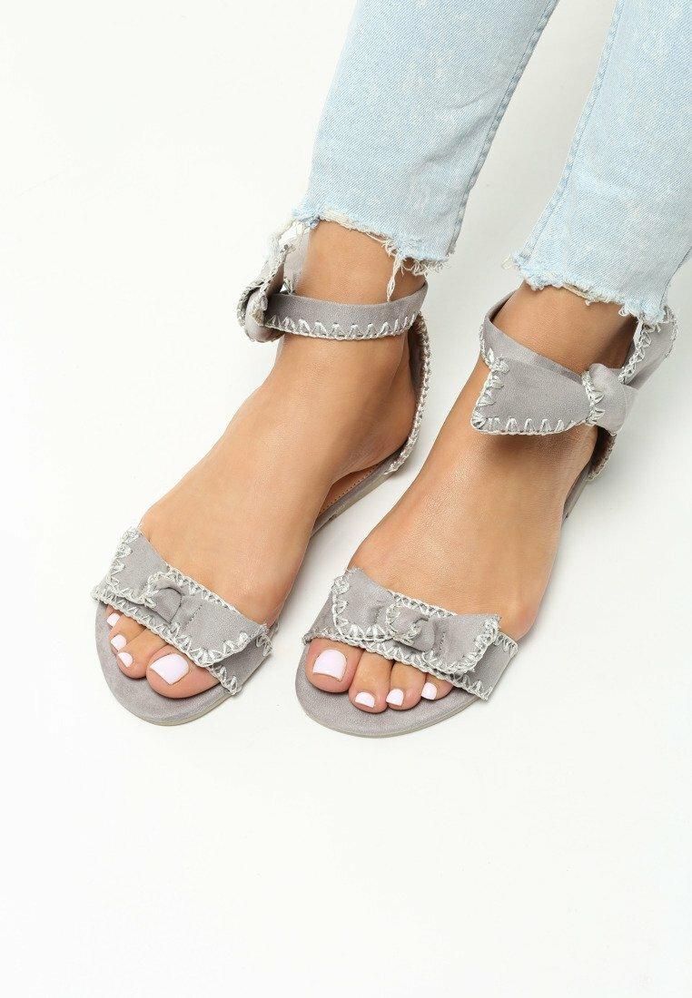 Szare Sandały Luxury