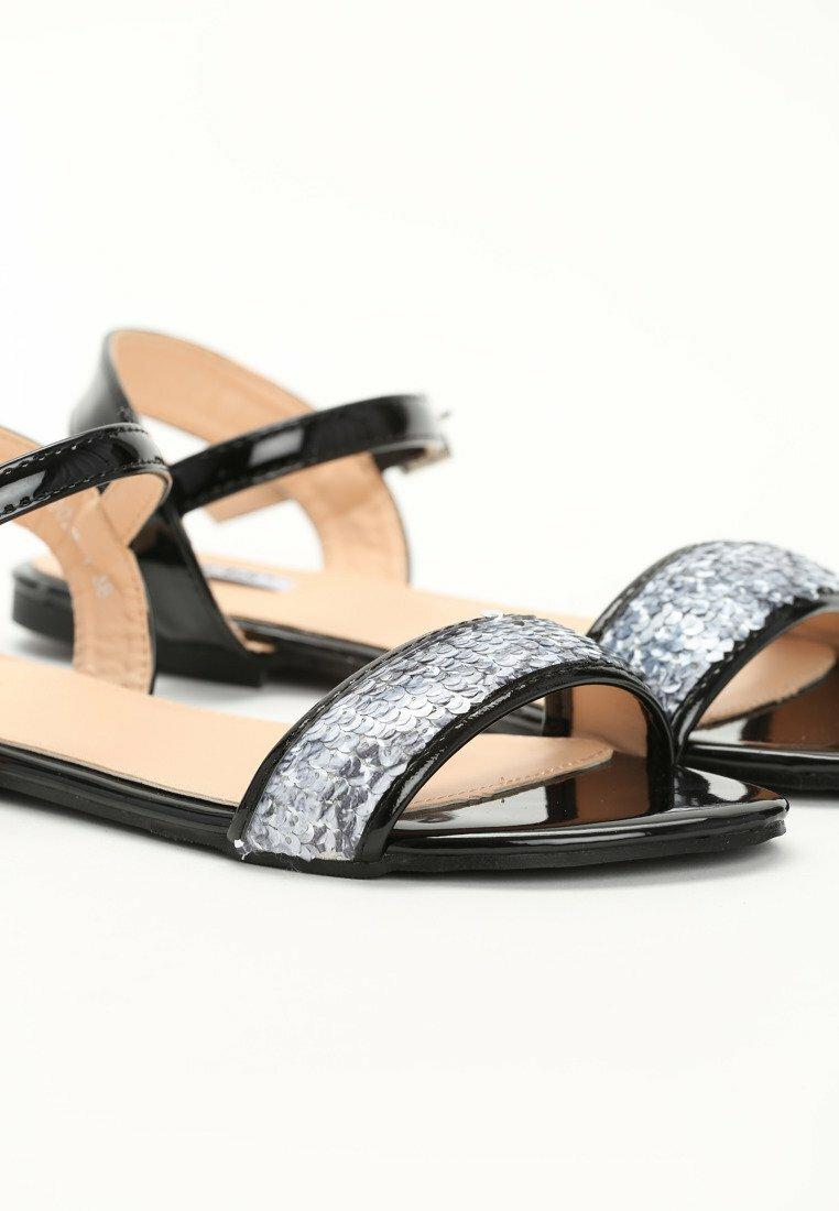Czarne Sandały Prism