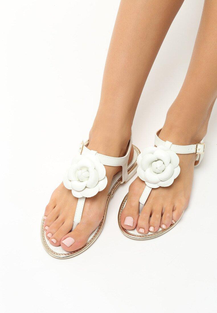 Białe Sandały Tangle