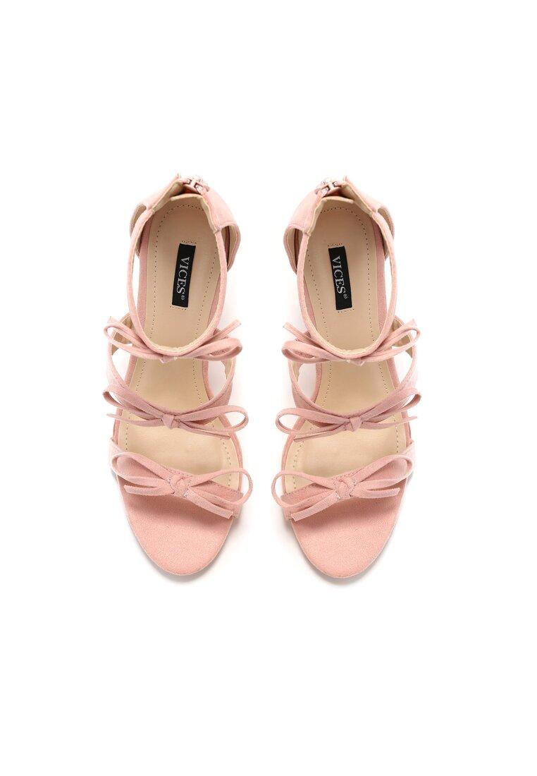 Różowe Sandały Numinous