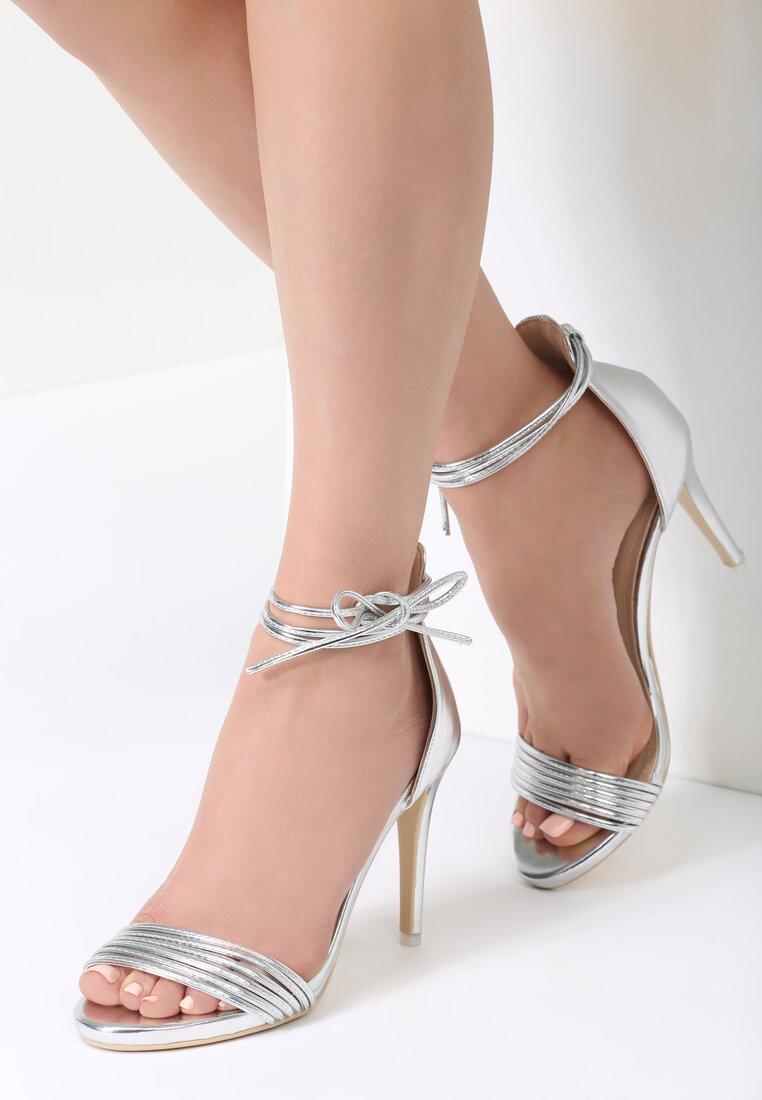 Srebrne Sandały Alias
