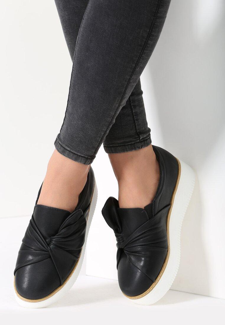 Czarne Slip On Jass