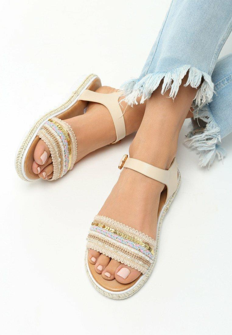 Beżowe Sandały Blessings