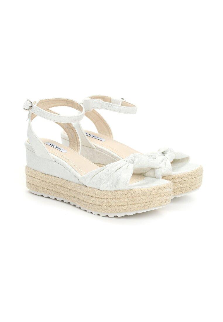 Białe Sandały Madness