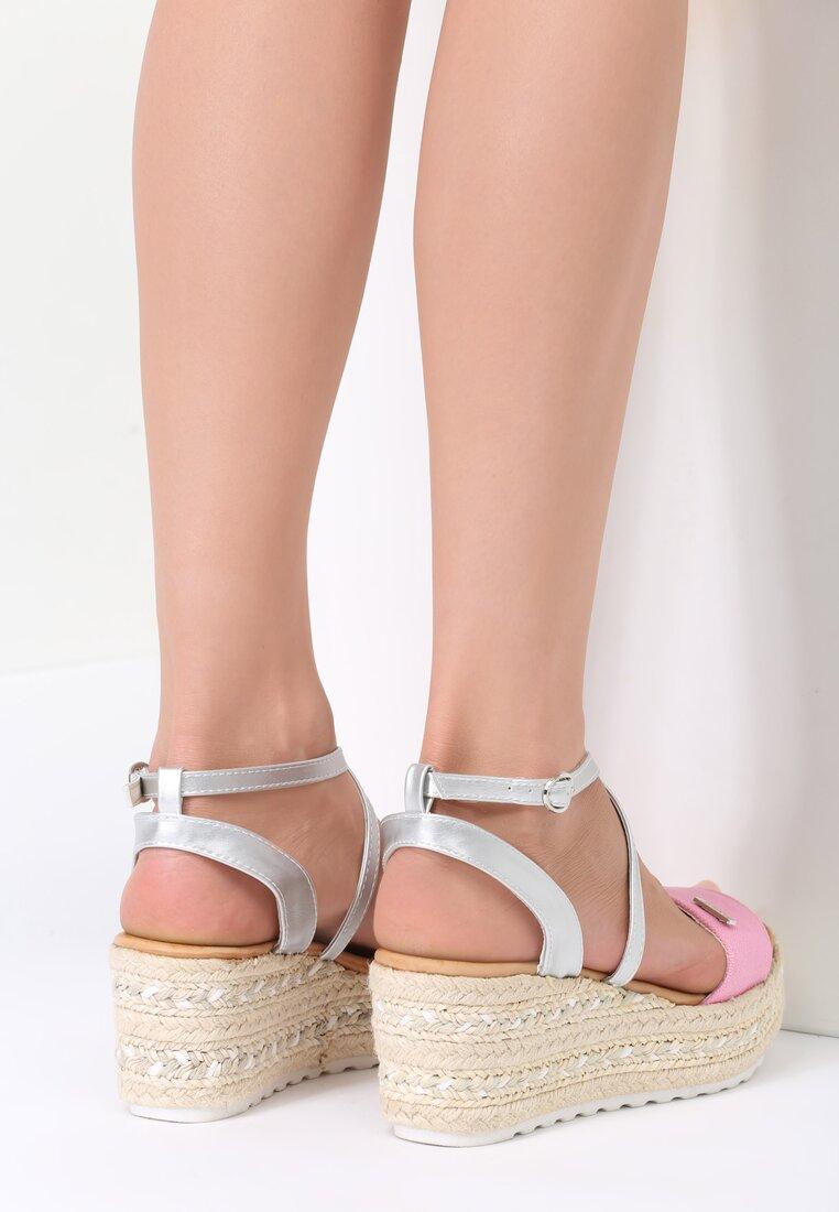 Różowe Sandały Sue Me
