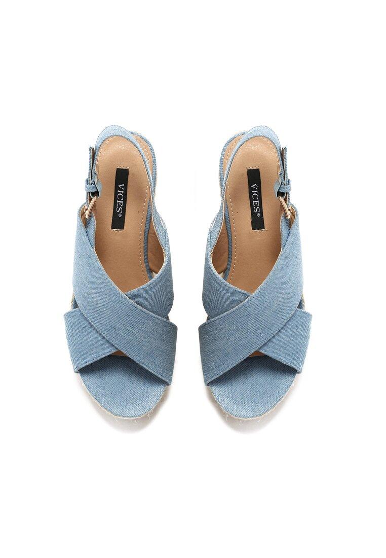 Jasnoniebieskie Sandały Madame
