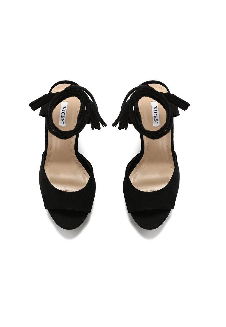 Czarne Sandały Carion