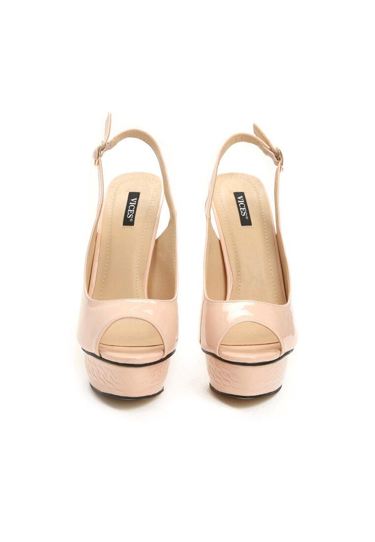 Różowe Sandały Resume
