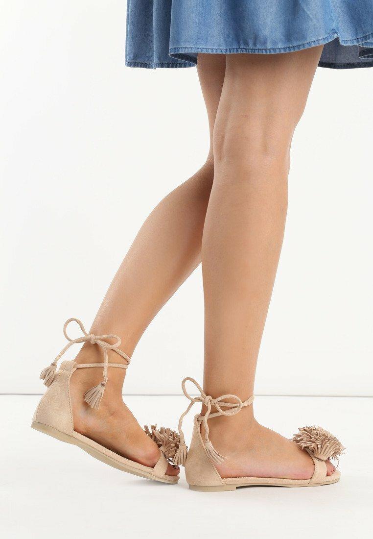 Beżowe Sandały Kamilla
