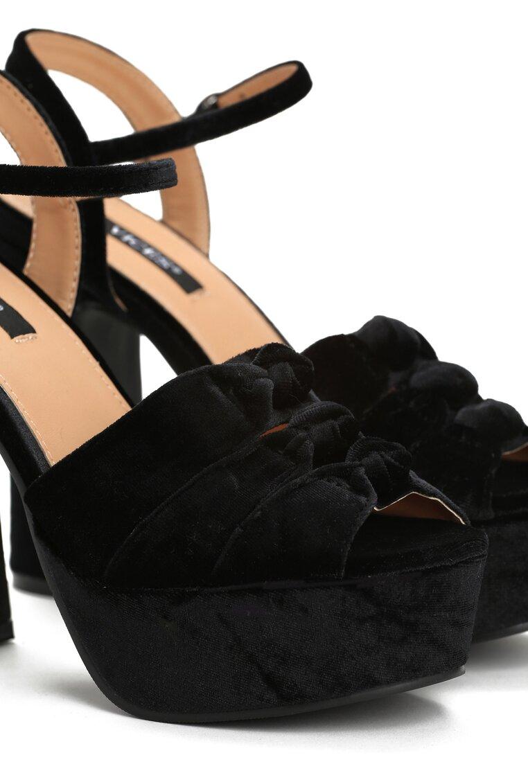 Czarne Sandały Conviction