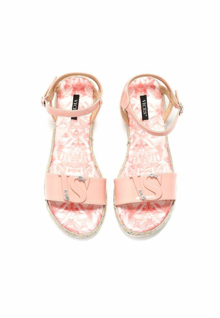 Różowe Sandały Assemble