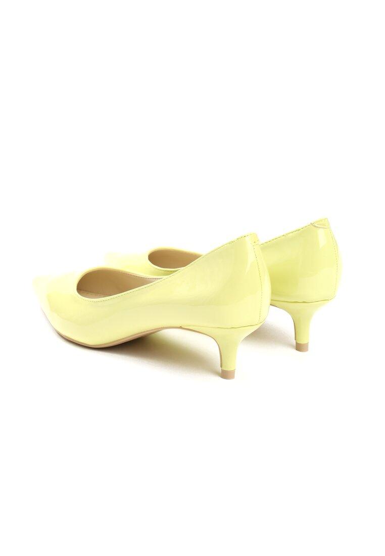Żółte Czółenka Complicated