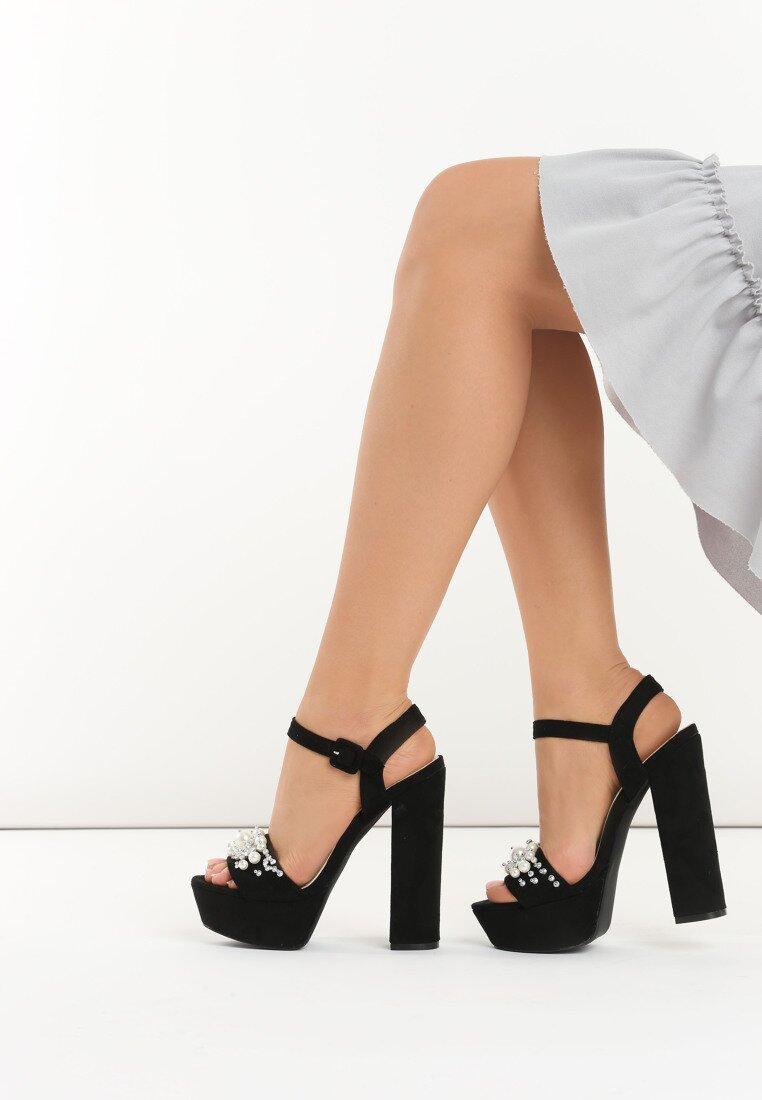 Czarne Sandały Pearls Design