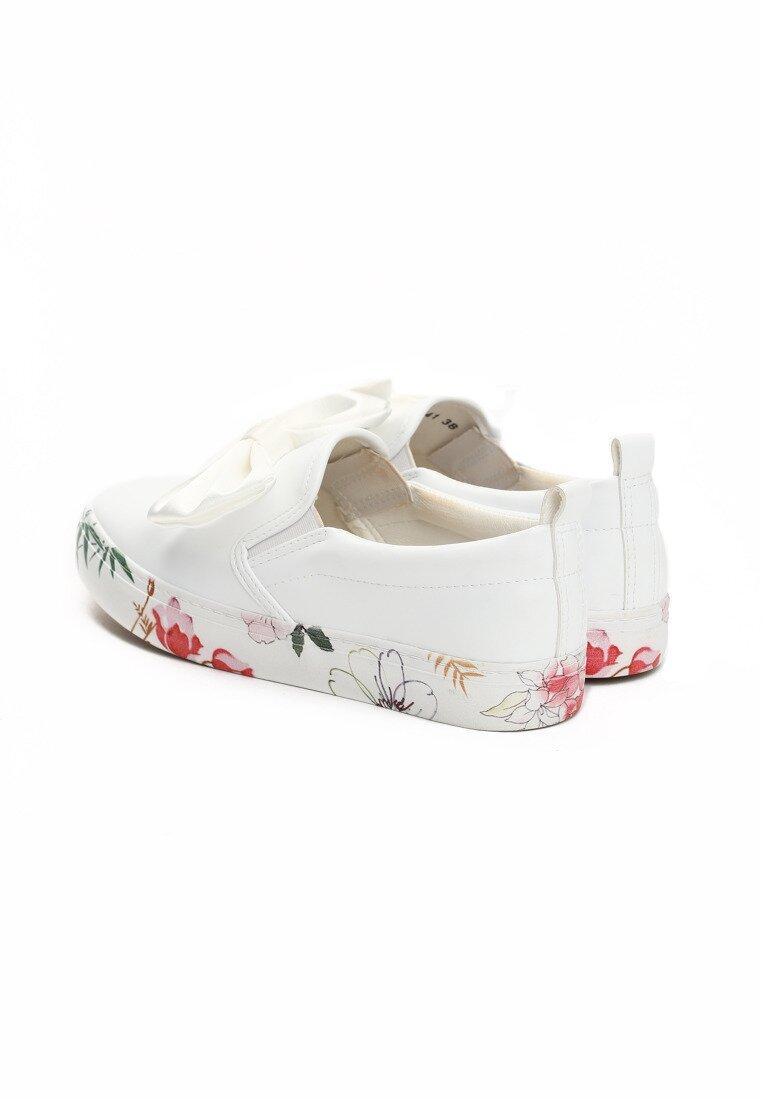 Białe Slip On Something Cute